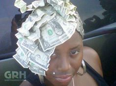 How To Fix Your Hair Like a Million Bucks - Crumpled Dollar Bills Classy Hairdo Fail - Best Funny Pictures Walmart Humor Jokes Best Funny Pictures, Funny Photos, Ghetto Fabulous, Money On My Mind, Hair Shows, Crazy Hair, Fix You, Hair Humor, Hair Designs