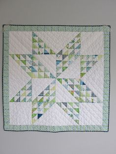 Love the  colors! HST star quilt