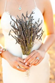 I've seen this blog before but never on Pinterest!  Can't believe it just popped up!  Beautiful, simple backyard wedding in Lake Havasu.