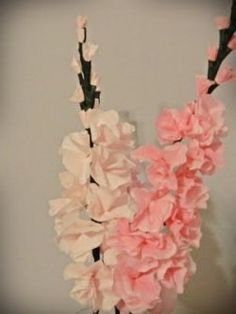 Gladiolis made from coffee filters. Instructions for many coffee filter flowers on the web site.