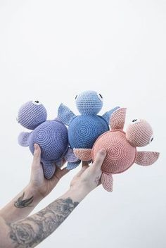 DIY : Free crochet pattern. How to crochet your very own turtle