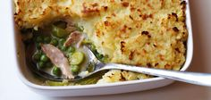 Sainsbury's brings you dinner plans full of quick recipes with something for everyone. Try our tasty chicken, pea and leek pie recipe.