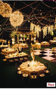 This black tie affair is SO glamorous. #blacktiewedding #blackandwhitewedding
