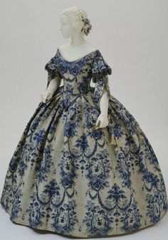 1850-1855 French evening dress Philadelphia Museum of Art