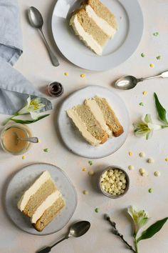 Delicious and indulgent white chocolate cake with blood orange curd #vegan #foodphotography #cake #dairyfree   via @annabanana.co