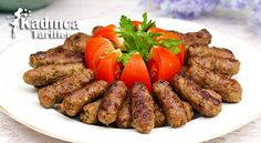 Personalized Graduation Gifts - Ideas To Pick Low Cost Graduation Offers Inegol Kofte Tarifi Nasil Yapilir? Meatloaf Recipes, Meatball Recipes, Chicken Recipes, Turkish Recipes, Italian Recipes, Bread Shop, Turkish Kitchen, Recipe Sites, Fresh Fruits And Vegetables