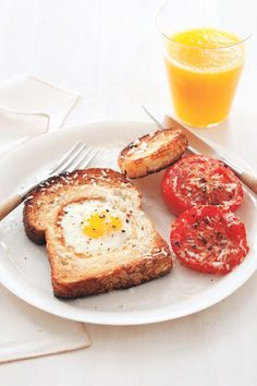 Egg in a Hole with Broiled Tomatoeswomansday