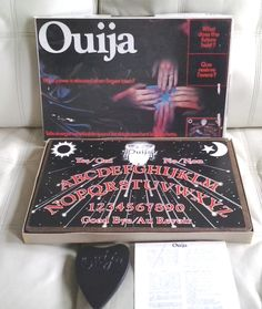 Vintage OUIJA BOARD GAME #60270 ~ Canada Games ~ French English ~  100% complete…