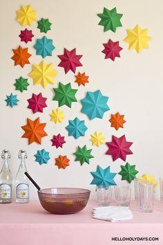 Ramadan Ideas: 8 Pointed Paper Stars, find the tutorial on our website - Hello Holy Days! #ramadan #eid