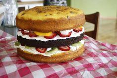 Cheeseburger Birthday Cake, perfect for bbq birthday parties