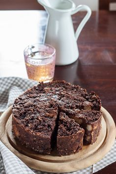 Chocolate Bread Pudding Cake from stale bread.  yum.  Blog is in English but apparently its a Tuscan blog.