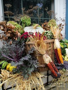 Fall Outdoor Decor ~ Our Fairfield Home and Garden   http://ourfairfieldhomeandgarden.com/fall-outdoor-decor-our-fairfield-home-and-garden/