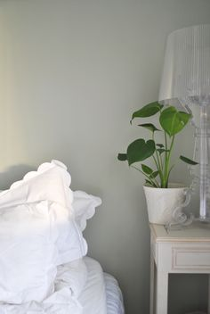 Swedish blogger Evelina Hinds painted her bedroom in Beckers Mistel 800, a…