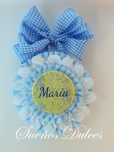 Medallón cuna con nombre personalizado Hanukkah, Wreaths, Baby Dresses, Home Decor, Art Crafts, Lockets, Sewing Projects, Crocheting, Lace