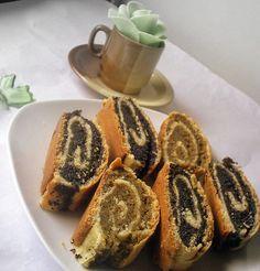 Baigli cu mac Romanian Desserts, Romanian Food, Pastry And Bakery, Pastry Cake, Sweet Recipes, Cake Recipes, Dessert Recipes, Good Food, Yummy Food