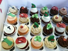 Peter Pan mini cupcakes by Cups And Cakes Bakery, via Flickr