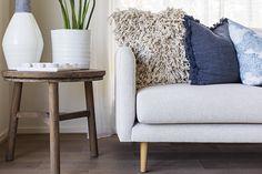 modern coastal interior design beige sofa with coastal cushions Coastal Bedding, Coastal Bedrooms, Coastal Living Rooms, Coastal Cottage, Formal Living Rooms, Coastal Homes, Coastal Decor, Coastal Interior, Coastal Farmhouse