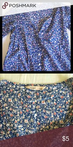 Old Navy Floral Button Up Cute floral Old Navy button up shirt. Is more flowy than fitted - very cute with shorts and jeans 😀 Old Navy Tops Button Down Shirts