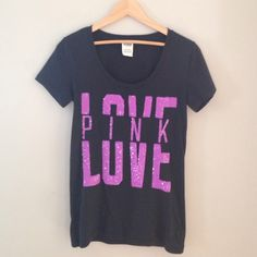 PINK NWOT~scoop neck fitted T~Shirt Never worn but very cute just not on me! Fits tighter to the body than it looks PINK Victoria's Secret Tops Tees - Short Sleeve