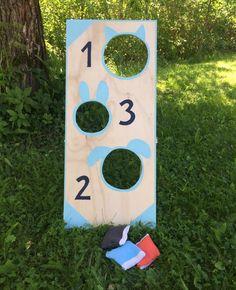 Rakenna itse hauska heittopeli omalle pihalle, mökille tai tuliaisiksi! Tämä peli sopii kaikenikäisille heittoetäisyyttä vaihtelemalla. Wood Crafts, Diy And Crafts, Crafts For Kids, Preschool, Woodworking, Teaching, Bird, Moma, Education