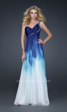 Absolutely love oceanic grad dress. <3
