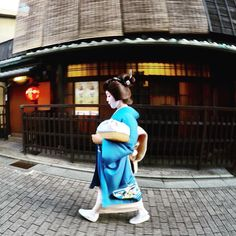 Rock & Roll Star #geishas #maikos #gion #kyoto #japan