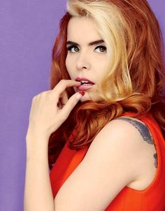 Paloma Faith- I used to have this hair, before she was famous... And now I miss it so much! Hair Streaks Blonde, Blonde Bangs, Paloma Faith Hair, Cool Hairstyles, Vintage Hairstyles, Star Fashion, Gorgeous Hair, Dark Hair, Red Hair