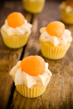 Looking for recipes with cottage cheese? These 34 cottage cheese recipes cover breakfast smoothies dips breads sides dinner and dessert including these Cantaloupe Cupcakes. Photo by Cupcake Project. Cupcake Recipes, Cupcake Cakes, Dessert Recipes, Art Cupcakes, Cookbook Recipes, Muffin Recipes, Mini Cakes, Good Food, Yummy Food