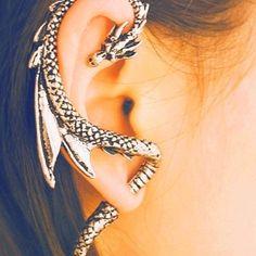 Amazing snake earring