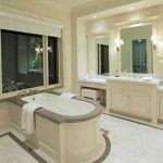 Lady-Gagas-California-mansion-bathroom