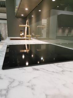AUBO Trend Nordic kjøkken New Kitchen Inspiration, Ikea Kitchen Remodel, Interior Design Kitchen, Backsplash, Mirror, House, Furniture, Places, Home Decor