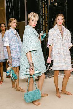 The Best Backstage Photos From Paris Fashion Week Spring 2019 Chanel Fashion, Paris Fashion, Fashion Brand, Runway Fashion, Fashion Outfits, Womens Fashion, Summer Coats, Mode Chanel, Iranian Women Fashion