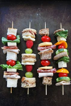 on a Stick Recipes on Four ways to eat a sandwich on a stick! Great for school lunches, parties, or snack time!Sandwich on a Stick Recipes on Four ways to eat a sandwich on a stick! Great for school lunches, parties, or snack time! Lunch Snacks, Party Snacks, Healthy Snacks, Healthy Recipes, Snacks Kids, Healthy Cooking, Tea Recipes, Cooking Recipes, Detox Recipes