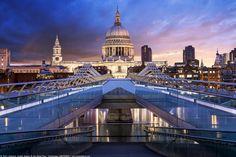 https://flic.kr/p/DH9cQo   St Paul's Cathedral, Millennium Bridge, Sunrise, London, England
