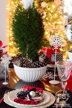 CHRISTMAS BRUNCH TABLESCAPE