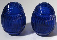 Cobalt blue depression glass bird feeders for bird cage | eBay Cobalt Glass, Turquoise Glass, Cobalt Blue, Amber Glass, Antique Bird Cages, Glass Fit, Old Bottles, Himmelblau, Duck Egg Blue