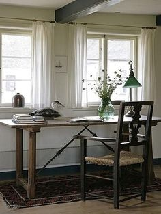 Let The Outdoors In With Short, Sweet Curtains Ada & Ina are inspired by these short, sheer linen curtains! Sheer Linen Curtains, Long Curtains, Curtains Living, Rustic Curtains, White Curtains, Diy Curtains, Short Curtains Bedroom, French Curtains, Vintage Curtains