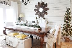 Great Christmas decor and decorating ideas from Thrifty and Chic's Christmas home tour