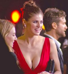 Celebs Discover Alexandria Daddario in Red How hot she is - Alexandria Daddario in Red How hot she is Hot Actress Gallery - Beautiful Celebrities, Beautiful Actresses, Beautiful Women, Hollywood Celebrities, Hollywood Actresses, Alexandra Daddario Images, Actrices Hollywood, Hot Actresses, Alexandria