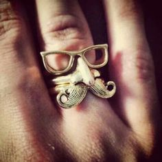 Fake mustache ring