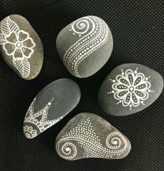 Mandala Painting, Pebble Painting, Dot Painting, Pebble Art, Stone Painting, Mandala Painted Rocks, Painted Rocks Craft, Mandala Rocks, Hand Painted Rocks