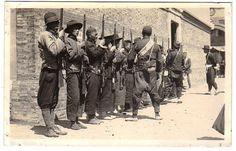 参加上海工人第三次武装起义的工人纠察队  Shanghai March 1927