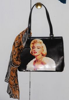 JAMES DEAN AND LOVIN/' IT Leather Sling Bag Small Purse