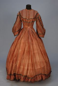 Sheer Wool Plaid Day Dress, Civil War Era chestnut and white having bell sleeve with ruffle trim and green binding, bodice and hem with ruffle, front closure with ten Dorset type buttons, bodice lined in silk Civil War Fashion, 1800s Fashion, Victorian Fashion, Victorian Dresses, Medieval Fashion, Victorian Era, Vintage Fashion, 1800s Clothing, Antique Clothing