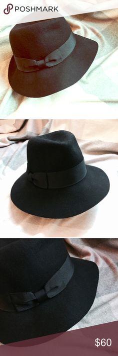 Wide brim hat Bcbg wool felt wide brim hat fedora sun hat floppy hat 57cm medium grosgrain encircles a wide brim hat BCBG Accessories Hats
