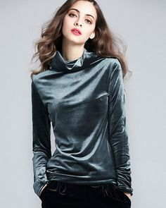 Helanca dama din catifea elastica Chill Style, Steel Magnolias, Designer Wear, Stylish Outfits, Corduroy, Turtle Neck, Leather Jacket, Candy, Heart