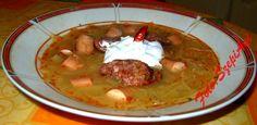 Savanyú káposztaleves házi füstölt kolbásszal és virslivel. Palak Paneer, Guacamole, Mashed Potatoes, Ethnic Recipes, Soups, Food, Whipped Potatoes, Smash Potatoes, Essen