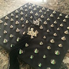 15 Graduation Cap Decorations To Inspire Your Commencement DIY-ing | Bustle