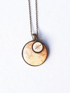 World Map With Compass Necklace, World Necklace, Vintage World Map Compass Necklace Antique World Map, Retro Space, Antique Compass Necklace Compass Jewelry, Compass Necklace, Diy Necklace, World Map With Compass, Map Compass, Cute Jewelry, Charm Jewelry, Collier Antique, World Map Necklace