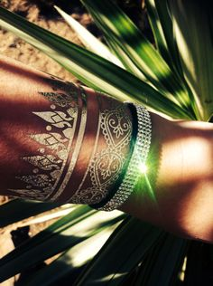 #gold #silver #metaliic #flash #tattoo http://stores.ebay.com.au/Vixzenx-Vintage